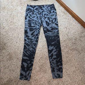 Nike Black & Gray Leggings - Size Small
